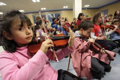 Alumnos de in crescendo  violín